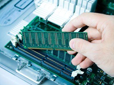 Montare, installare o sostituire la memoria RAM nel PC